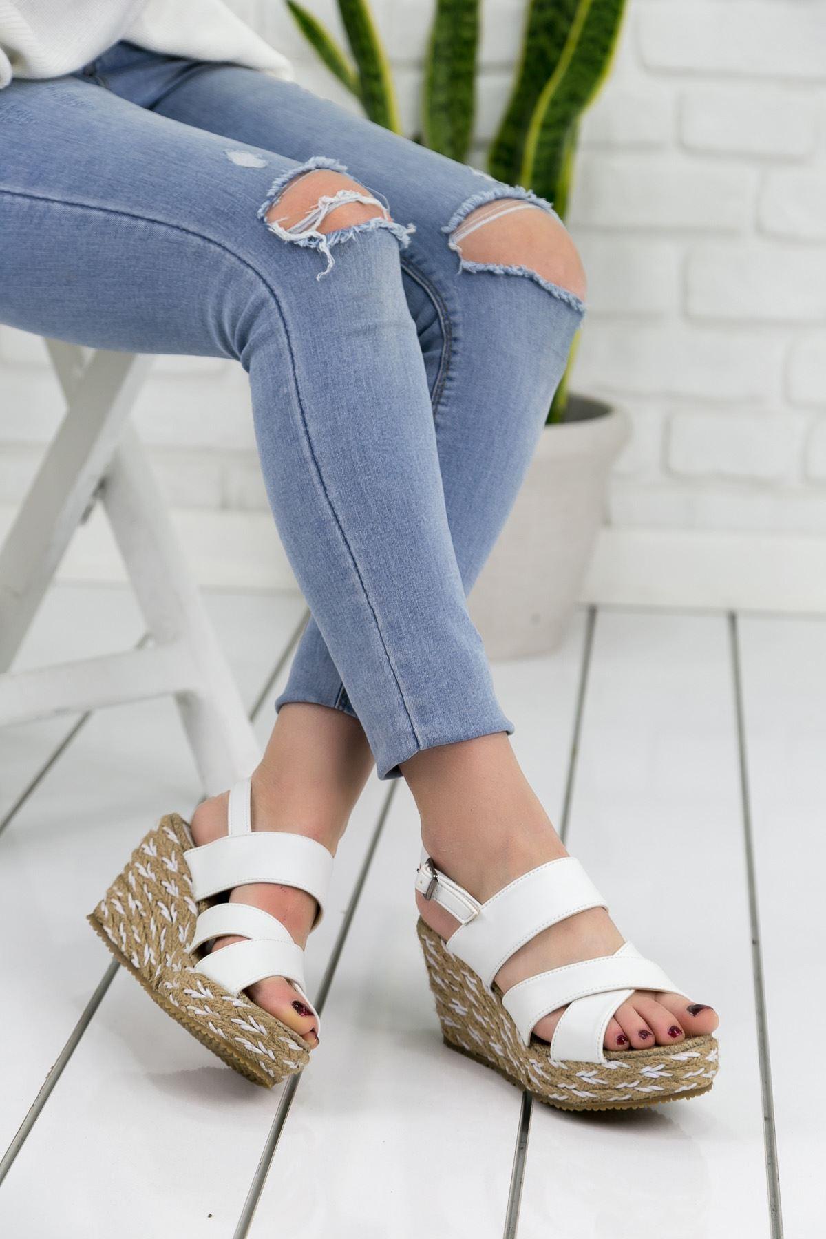 Roşna Beyaz Süet Platform Bayan Sandalet