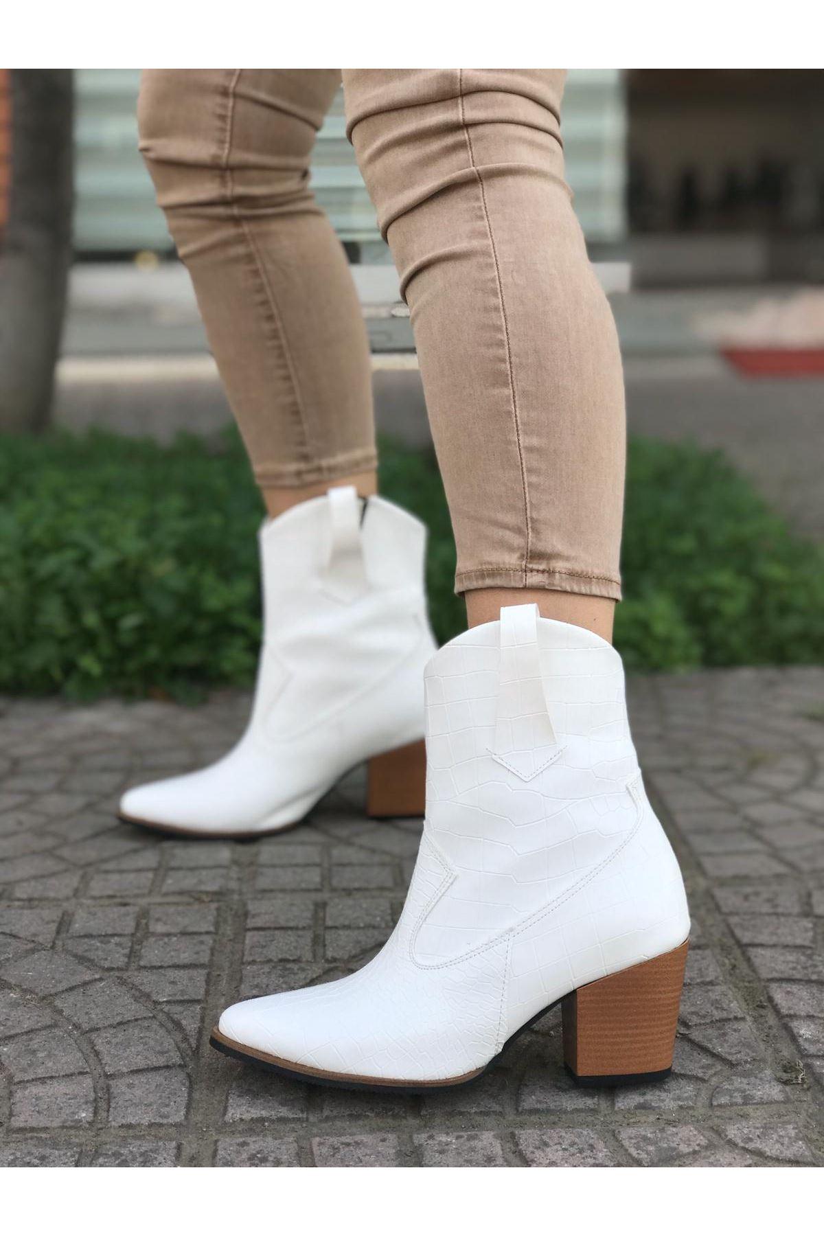 Kovboy Beyaz Cilt Bayan Bot