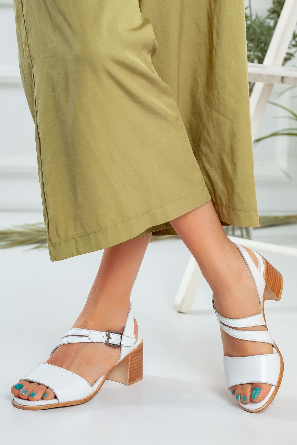 Spil Ortapedik Bayan Beyaz Deri Sandalet