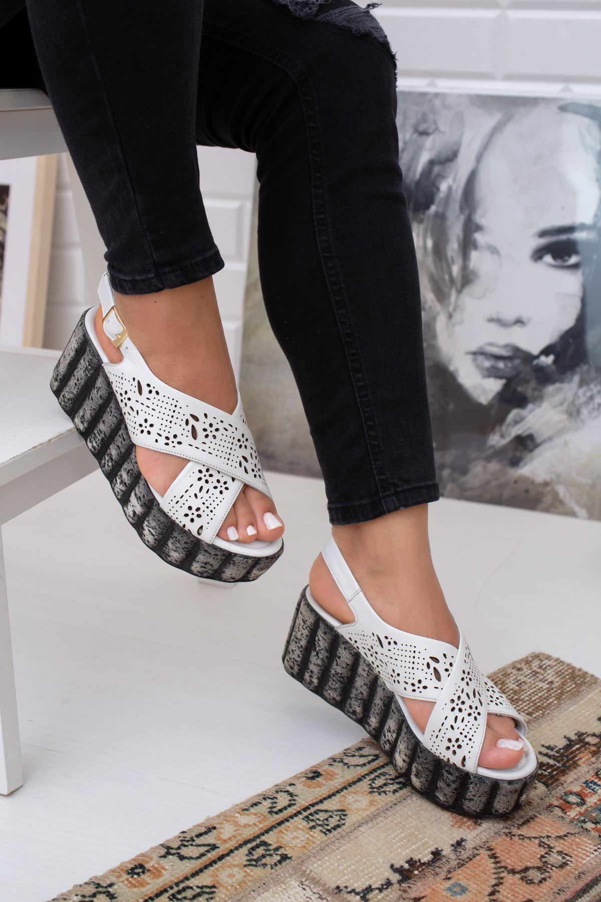 Hakiki Deri Sicillia Beyaz Çapraz  Dolgu Topuklu Sandalet