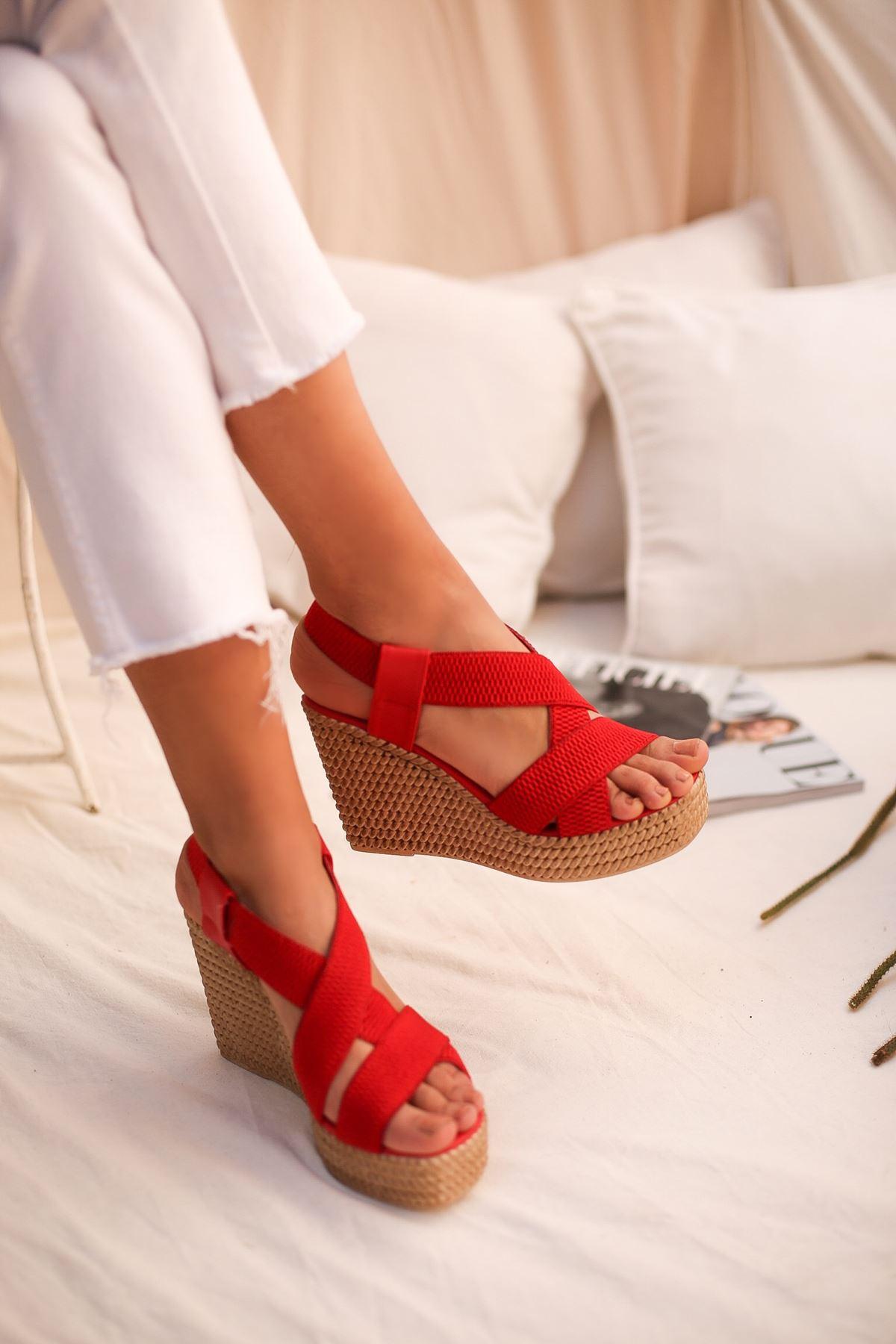 Gulan Kırmızı Çapraz Şerit Bayan Sandalet