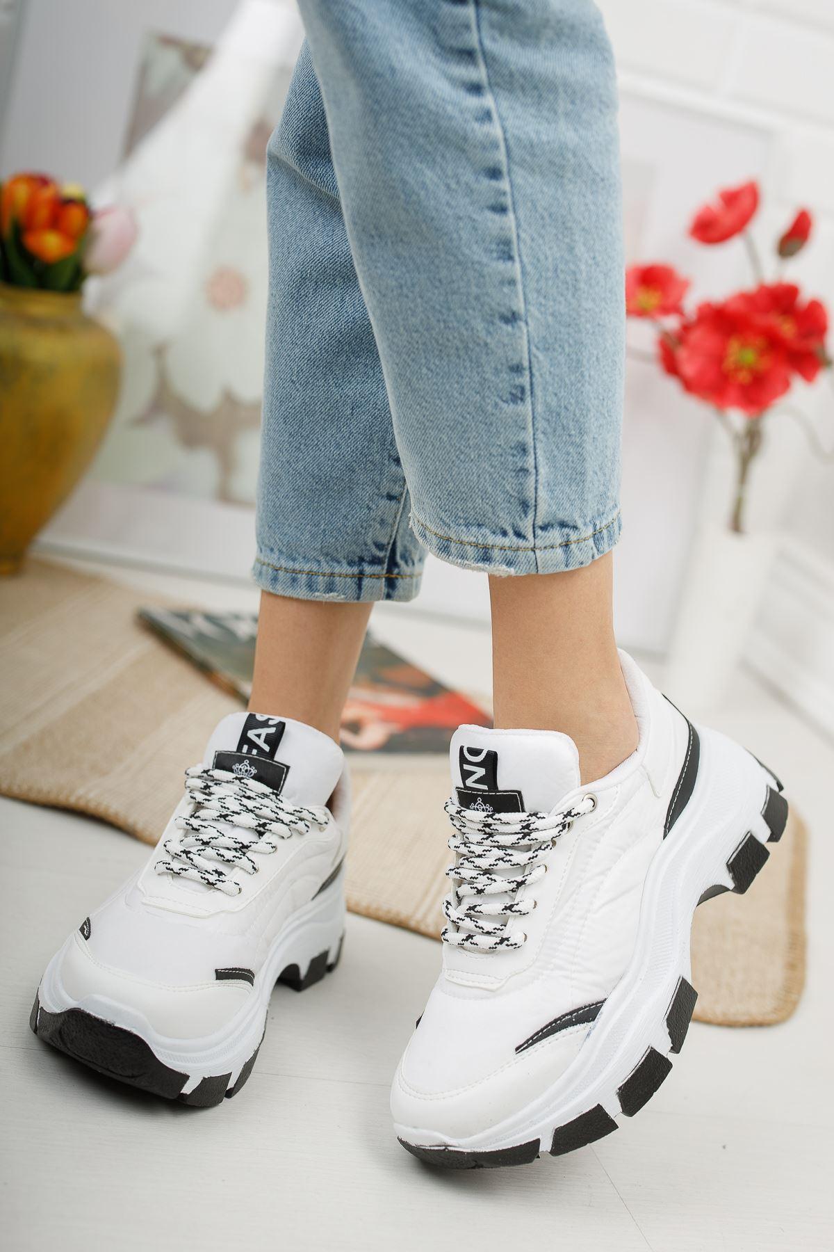Aria Beyaz Siyah Kadın Spor Ayakkabı