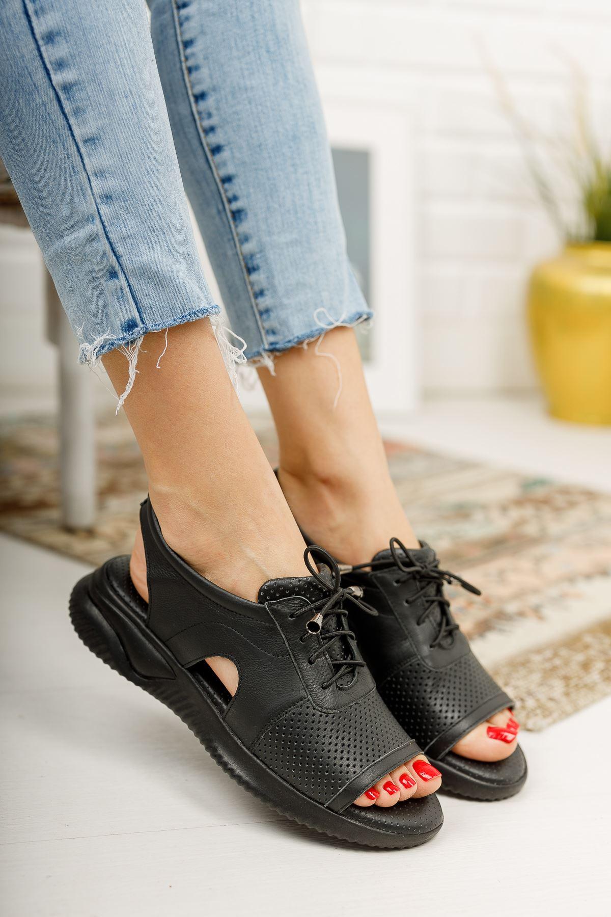 Awrel Hakiki Deri Siyah Bağcıklı Ortapedik Taban Bayan  Spor Sandalet