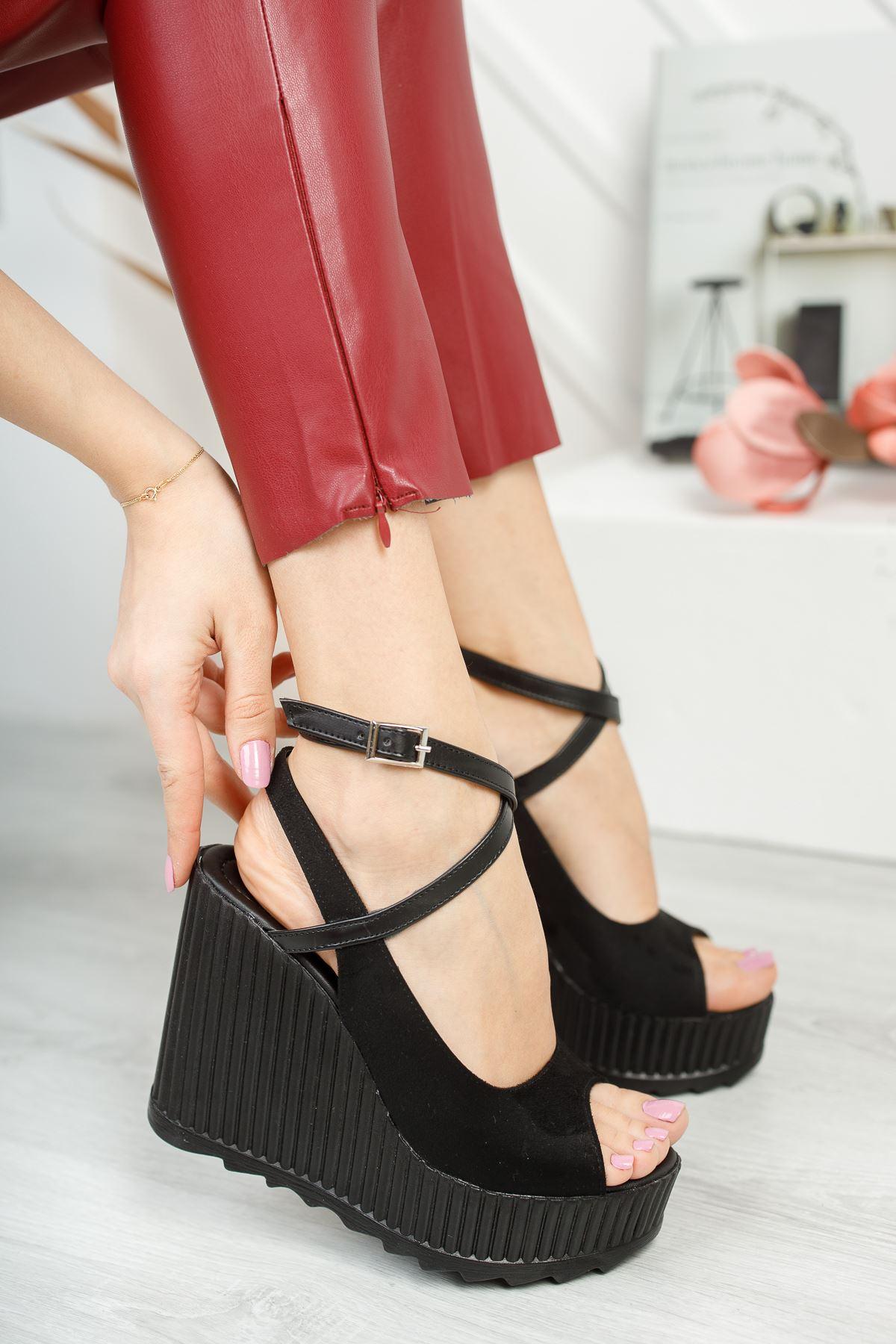 Serkar Süet Siyah Tokalı Platform Kadın Ayakkabı