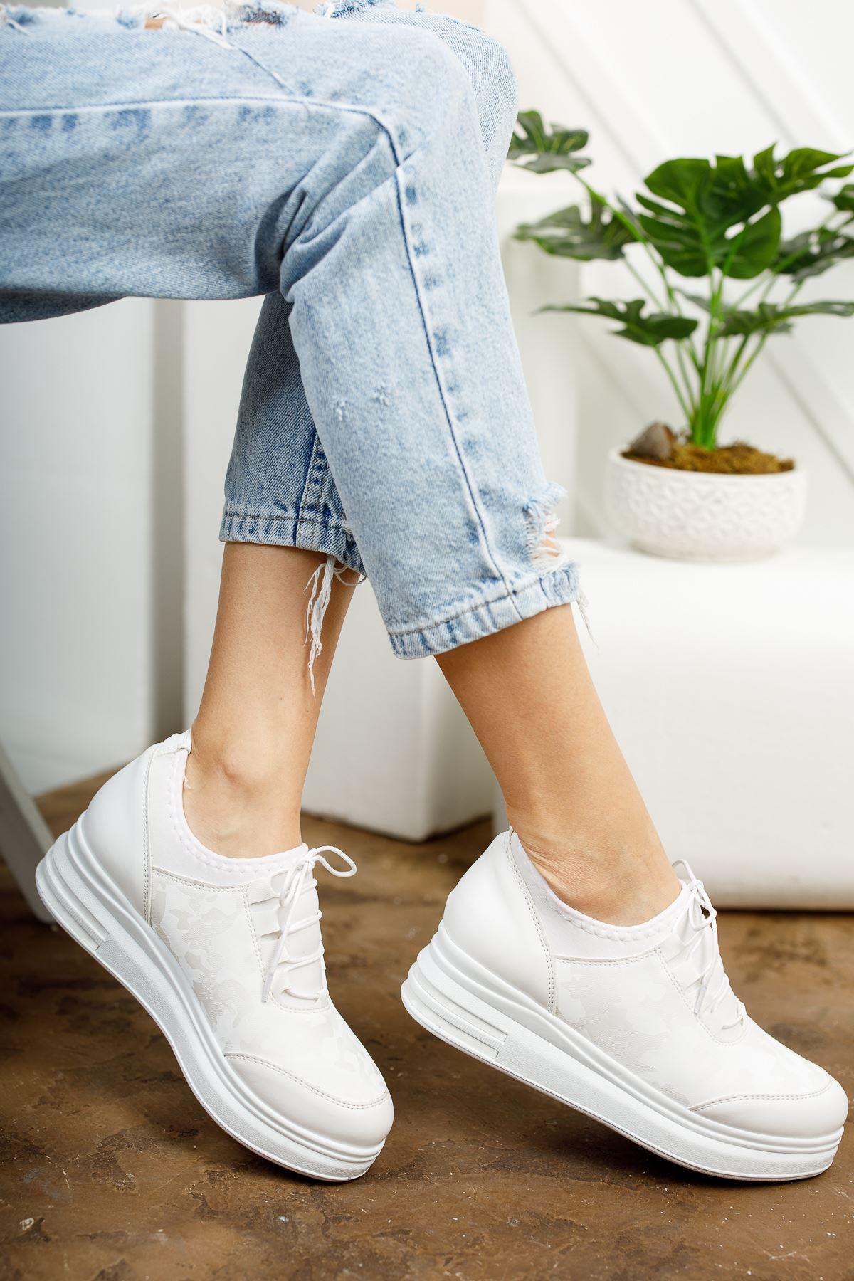 Zeytuni Beyaz Ortapedik Beyaz Taban Beyaz Desenli Bayan Spor Ayakkabı