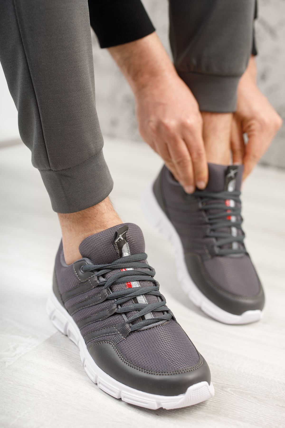 Wawik Füme Beyaz Taban Yazı Detaylı Erkek Spor Ayakkabı