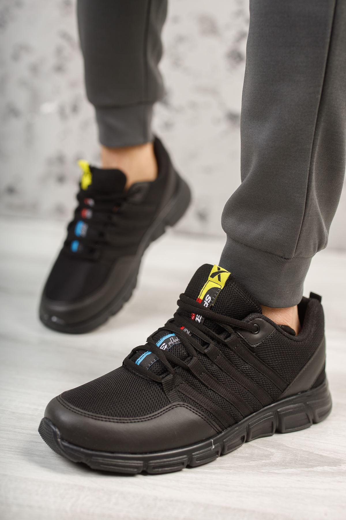 Wawik Siyah Yazı Detaylı Erkek Spor Ayakkabı