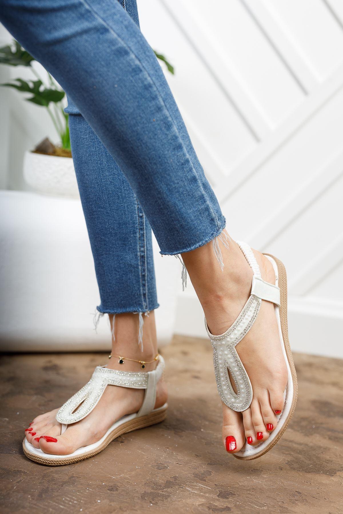Jully Beyaz Parmak Arası Kadın Sandalet