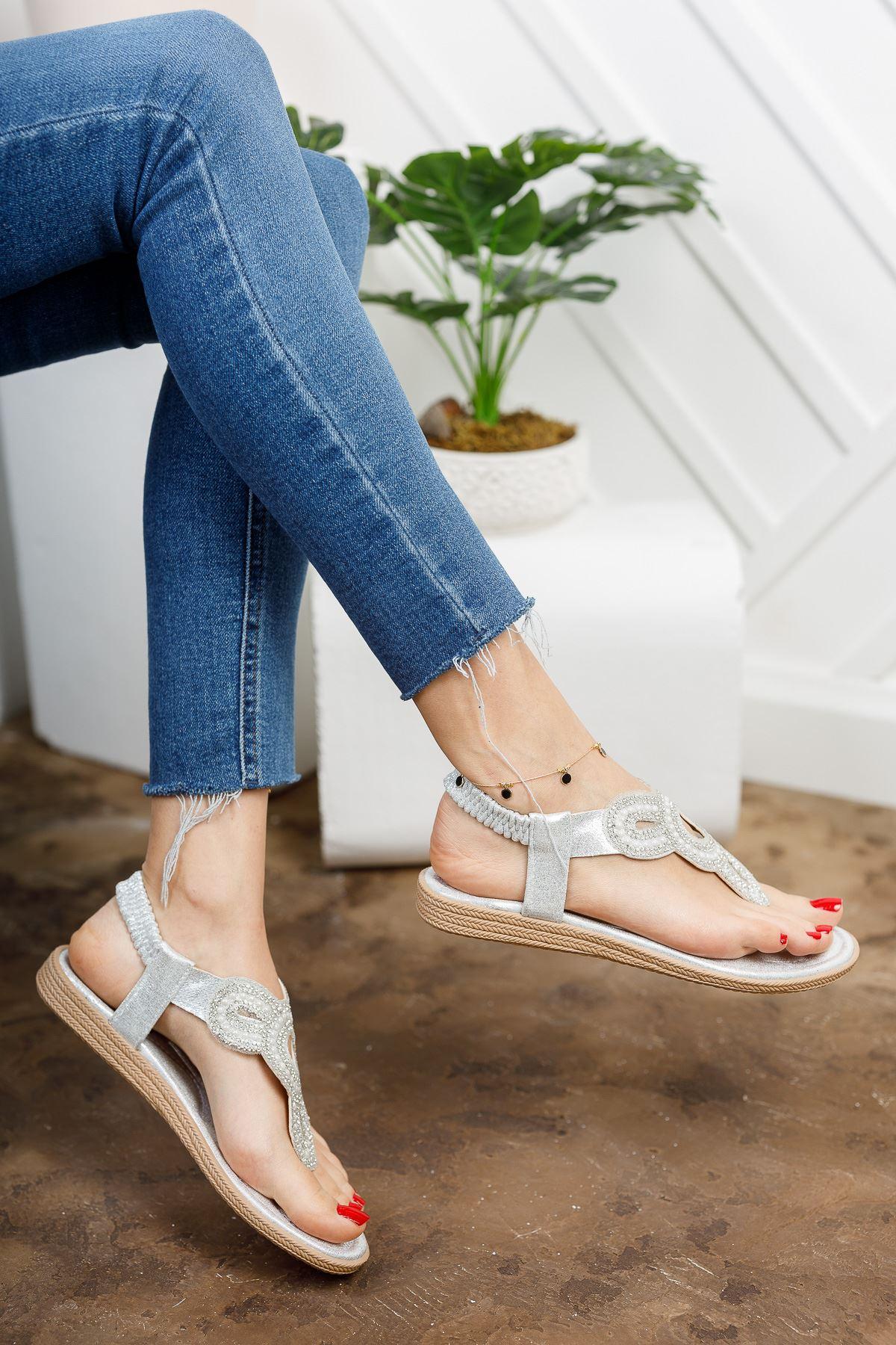 Alda Gümüş Parmak Arası Kadın Sandalet