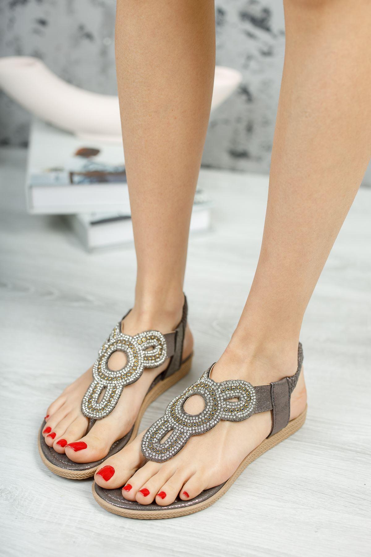 Alda Bakır Parmak Arası Kadın Sandalet