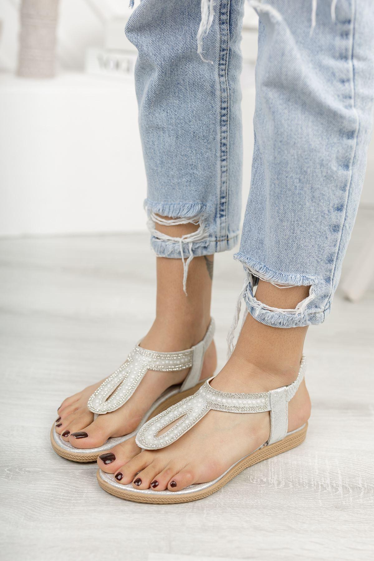 Jully Gümüş Parmak Arası Kadın Sandalet