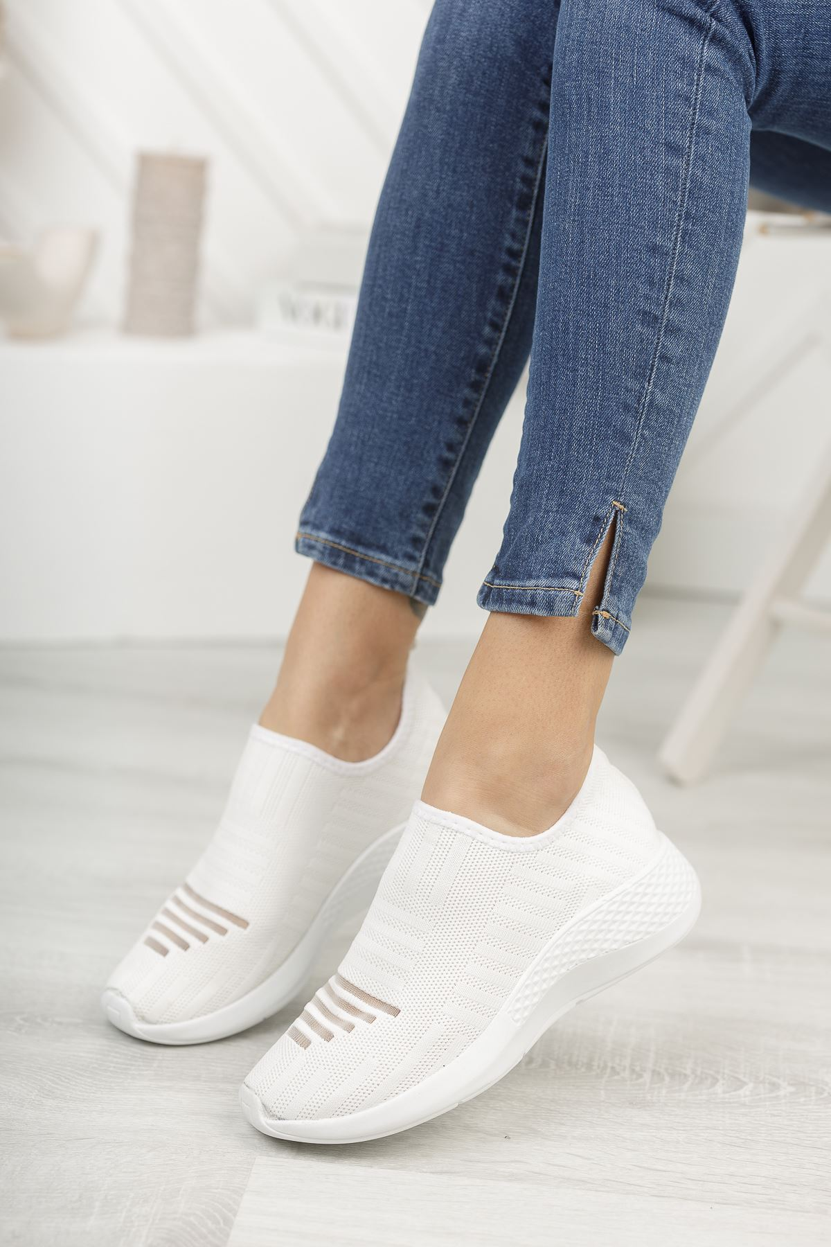 Vesna Beyaz Bağcıksız Triko Kadın Spor Ayakkabı