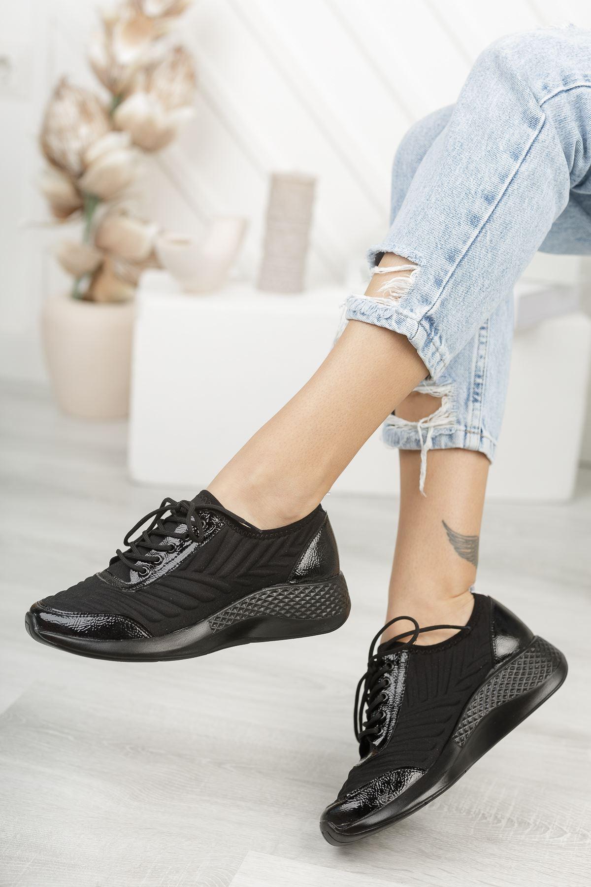 Verda Siyah Parlak Bağcıklı Triko Kadın Spor Ayakkabı