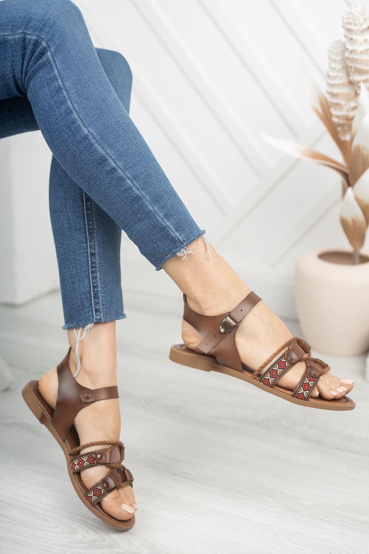 Carissa Hakiki Deri Kahverengi Günlük Kadın Sandalet
