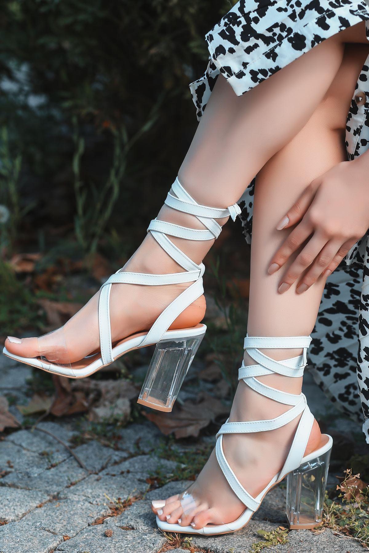 Rosie Beyaz Şeffaf Bantlı Kalın Topuklu Kadın Ayakkabı