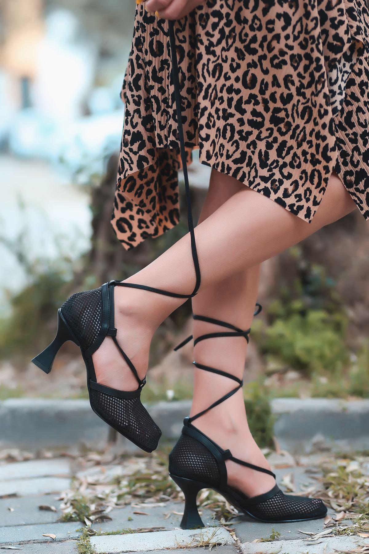 Fanny Siyah Fileli İnce Topuklu Kadın Ayakkabı