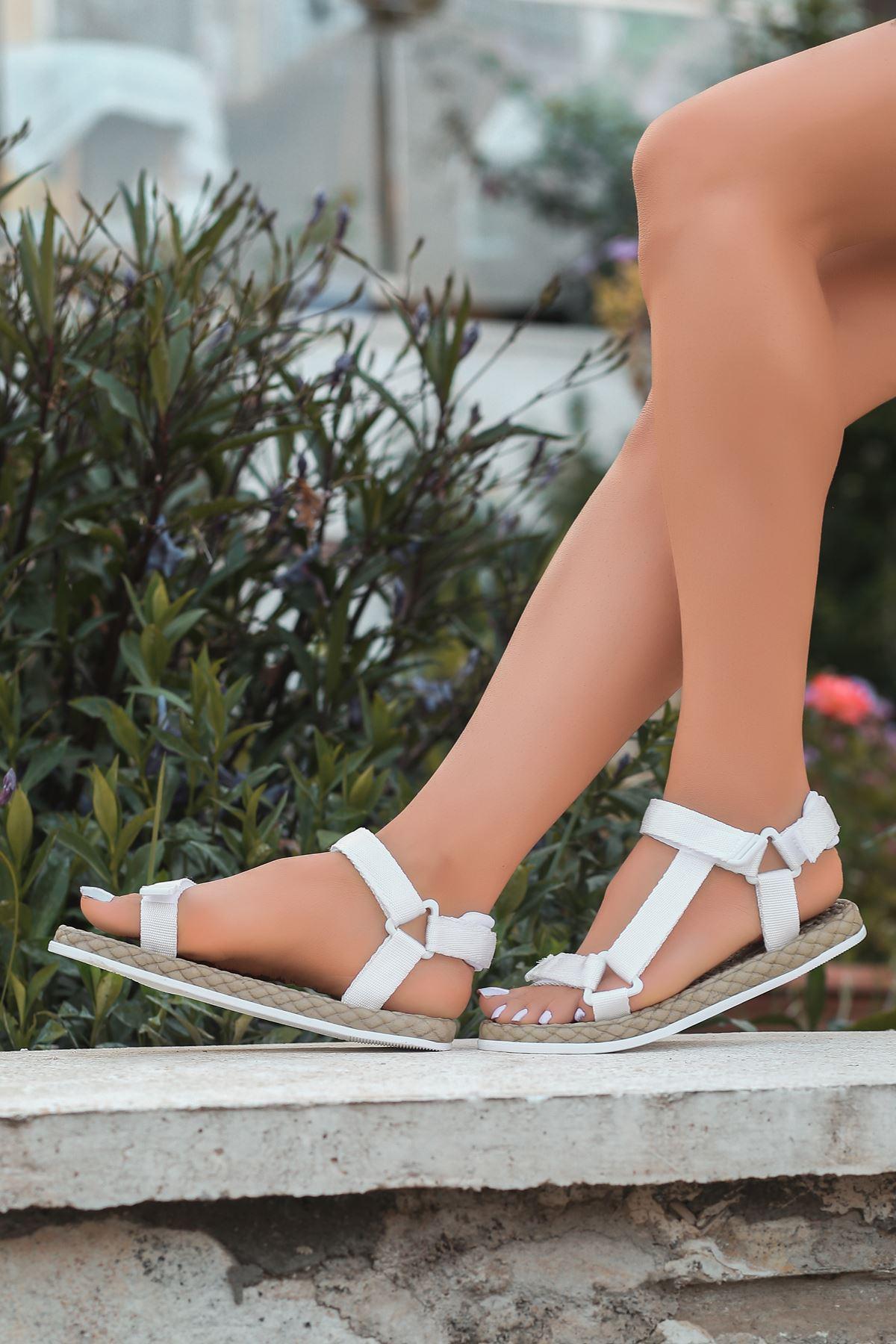 Broom Beyaz Cırtlı Kadın Sandalet