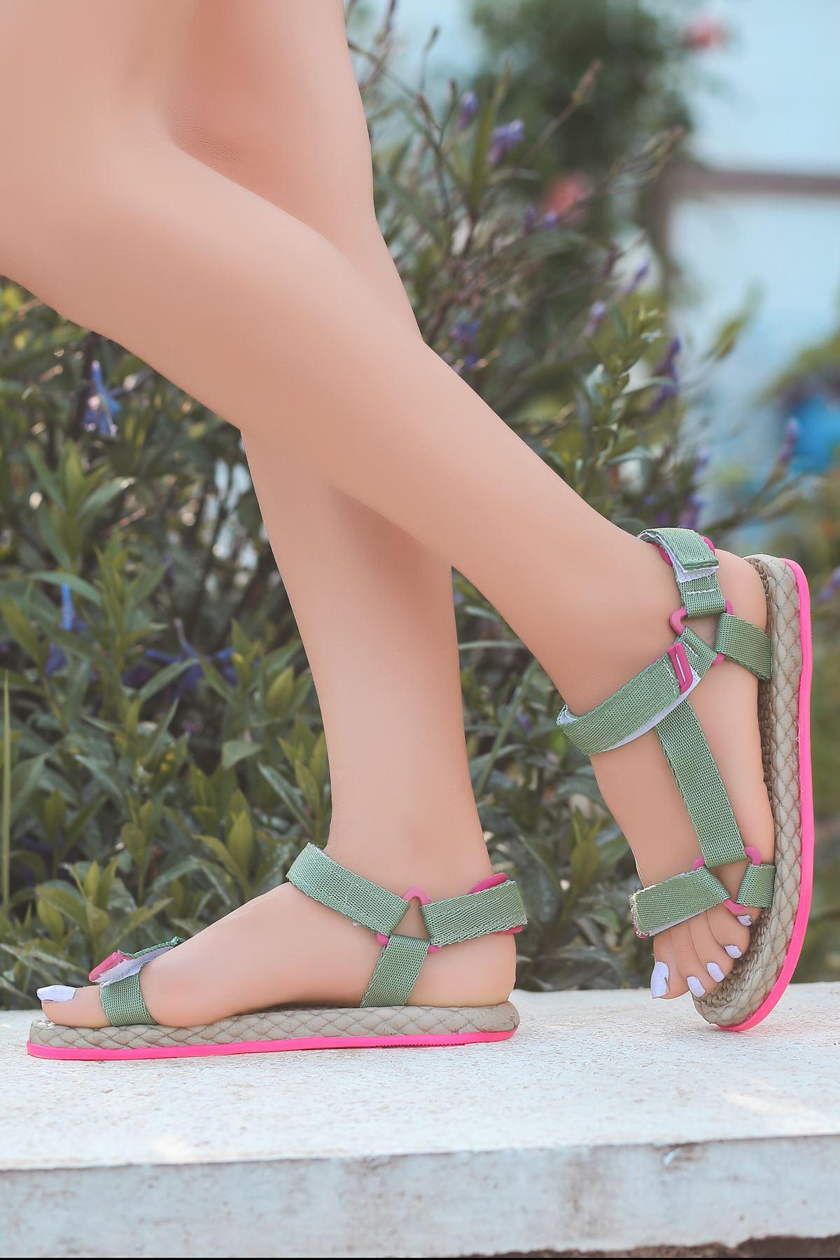 Broom Yeşil Cırtlı Kadın Sandalet