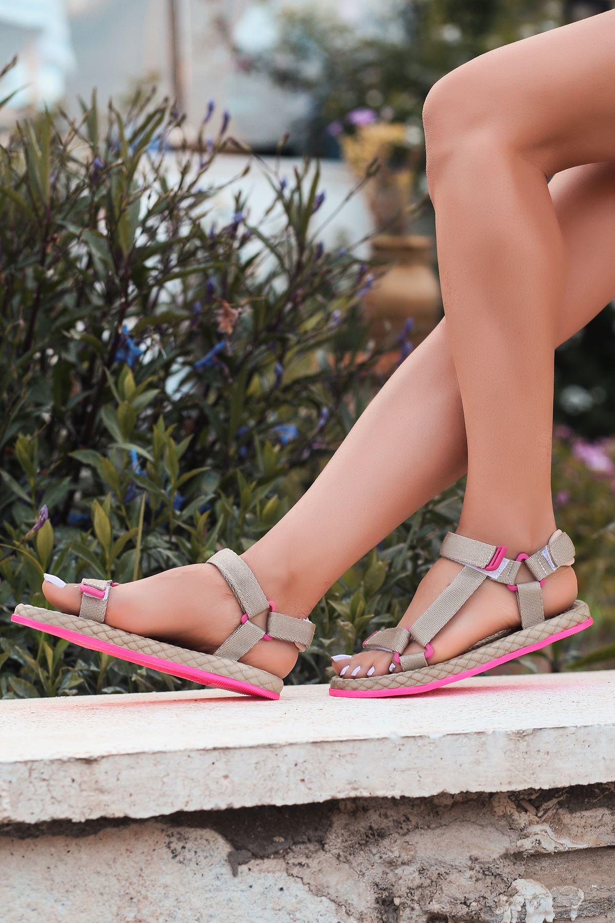 Broom Krem Cırtlı Kadın Sandalet
